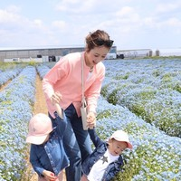 ユニクロコーデ💕ネモフィラ💠💙🤍を見に花の海へ💕【人気インスタグラマー@ask_____10ブログ】