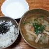 玉葱とゴーヤの味噌汁とヨーグルト