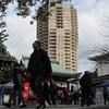 東京タワーや高層ビル群の下 港七福神めぐり