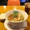 【今週のラーメン1790】 グリーンパッタイ 大崎店 (東京・大崎)グリーンカレーラーメン+半ライス