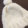三國さんの「白い帽子」 ふんわりピカピカ