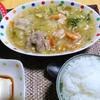 【今日の食卓】カーオ・ラートナー、あんかけご飯。本来の米粉麺を入れる代わりにご飯にかける