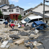 西日本豪雨、死者100人に 2万人超が避難