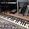 鍵盤柄のマットで楽しいレッスン