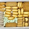 半蔵門の「村上開新堂」でクッキー缶。