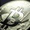 有事のビットコイン??安全資産??金との相関性を検証してみよう。