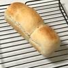チーズ入り山型パン、冷しゃぶとじゃがいも卵焼きとネギスープ