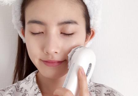 【女子家電会議】美肌の秘密は、おうちケアにあり!美容インスタグラマーが使っている美容家電を教えてもらったよ<美容家電編>