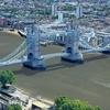 【空撮】タワーブリッジから30セントメリーアクスへ(イギリス)