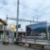 スイスの電車と雪景色