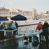 マルセイユ旧港そばの魚市場と連絡船