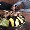 【信州新町ジンギスカン街道】絶妙なおろしタレ&味付きジンギスカンが美味しい「ろうかく荘」