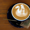 【山手】アンティークな空間で自家焙煎コーヒーとプリンを楽しむ「リトルビレッジカフェ」