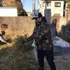 春日墓地の清掃のお手伝いを行いました。