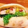 【東京・日比谷】オリーブのほどよい塩味ともも肉の旨味が絶妙なサンドウィッチ ル・プチメック