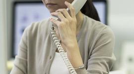 固定電話対応のために出社していませんか。クラウド型電話システムで実現する働く場所の自由化