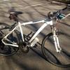 今の通勤快速号はこのクロスバイク 通勤用自転車のコンセプトは『絶対にパンクしたくないっ!』