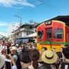 タイ女子一人旅  メークロン線路市場と水上マーケット