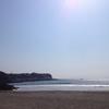 伊豆・河津町「今井浜」広くて水質AA、波遊びも磯遊びもできる人気ビーチ