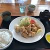 道の駅「ビオスおおがた」の「ひなたや食堂」の「から揚げ定食」のお昼