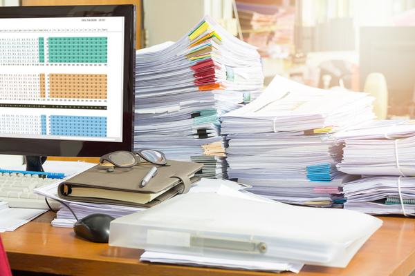 探す時間を短縮して仕事の生産性もアップ! 「ラベリング」と「モノの起点終点」を考えて、デスクを整理整頓しよう