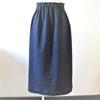 「カリキュラムコース」の総ゴムストレートスカート。縫製編。