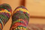 実はもっと冷えてしまう!?寝るときに靴下を履いてはいけない本当の理由とは?