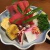 社長と2人で寿司居酒屋、絶品刺身盛り合わせ!