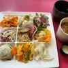 飯田橋【プティボノ】で9種類のサラダ&デリが乗ったランチプレートを堪能!色々なものを少しずつ楽しめる!