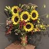 【花を飾る】#18 ヒマワリとグロリオサの花束