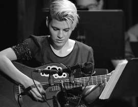 冬に聴きたくなる技巧派ギタリストKaki King
