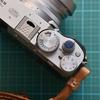 富士フィルムX100Vをオシャレにしたい!JJCのソフトシャッターレリーズグレー&ブルーを買った話