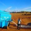 干ばつに苦しむケニアで野生動物のために一人で給水活動を続ける男性の話