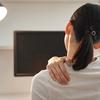 『肩こりにマッサージ機よりも効果的なおすすめ解消法3選』