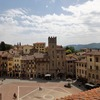 【アレッツォ旅行記】1:アレッツォ半日観光。グランデ広場周辺と、古い教会