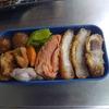 幸運な病のレシピ( 430 )朝:トンカツ、手羽先(骨抜き)からあげ、鮭、庭いじりの贅沢