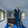 仕上げの作業「天井の漆喰塗り」