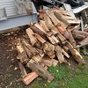 割ってしまえ 乗せて薪棚へ Splitting it