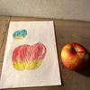 今日はりんごを描きました