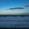 和歌山県七里御浜で海を撮影、うねりに見惚れて水没する。