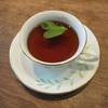 レモンの葉を入れた紅茶。酸味がなくて美味しかったです。