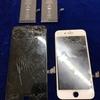 iPhone XSの画面割れ修理もできます!