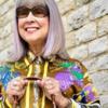 68歳のイギリス人女性がSNSで、シックで冒険に満ちた日常を発信
