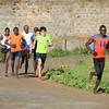 ケニア人が走っているとき腰は高くない