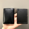 ポケットに入るカード型モバイルバッテリー。薄型・軽量で持ち運びに最適