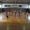 ドッジボールの練習 4年2組