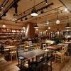 最近流行りのカフェと昔ながらの喫茶店