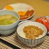 納豆ご飯と目玉焼き