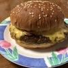 [ま]セブンイレブンのグルメバーガー濃厚チーズを食べたなら... @kun_maa