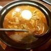 「ホットスプーン」で牛すじ煮込みカレーを食べる